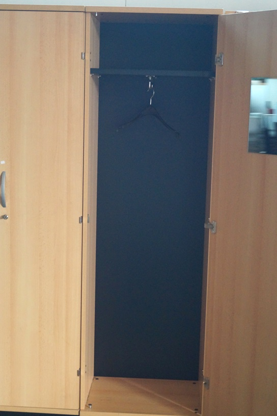 OKA Garderobenschrank / Aktenschrank